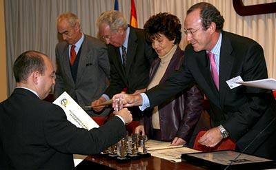 F. Javier Saborido, Director del Colegio Labor, recoge el galardón EFQM 100 - 2006
